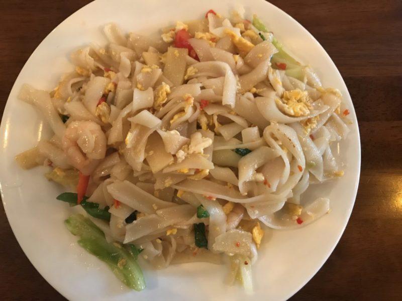 ピリ辛太麺焼きビーフン