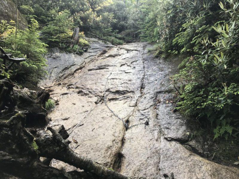 大日岩付近の鎖場