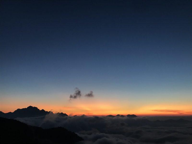 夕焼けと剱岳