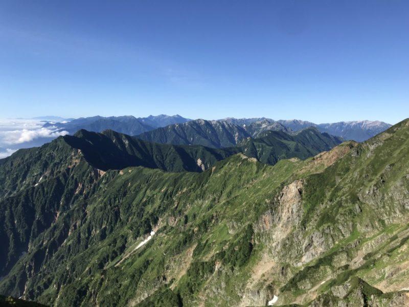 鹿島槍北峰から南を望む