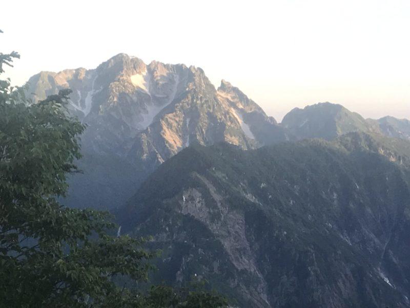 新越山荘の部屋からの剱岳