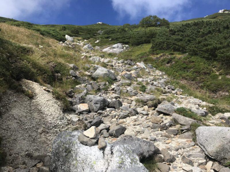 空木岳避難小屋経由の沢筋の道